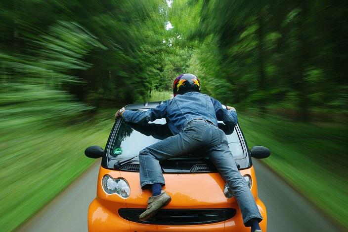 毎月利用可 新車見積もりで700円稼げるオートックワンがポイントインカムに掲載中